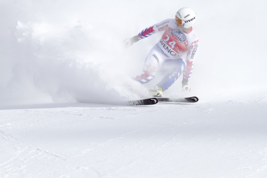 What is Super G Skiing? How is it different to Downhill Alpine?