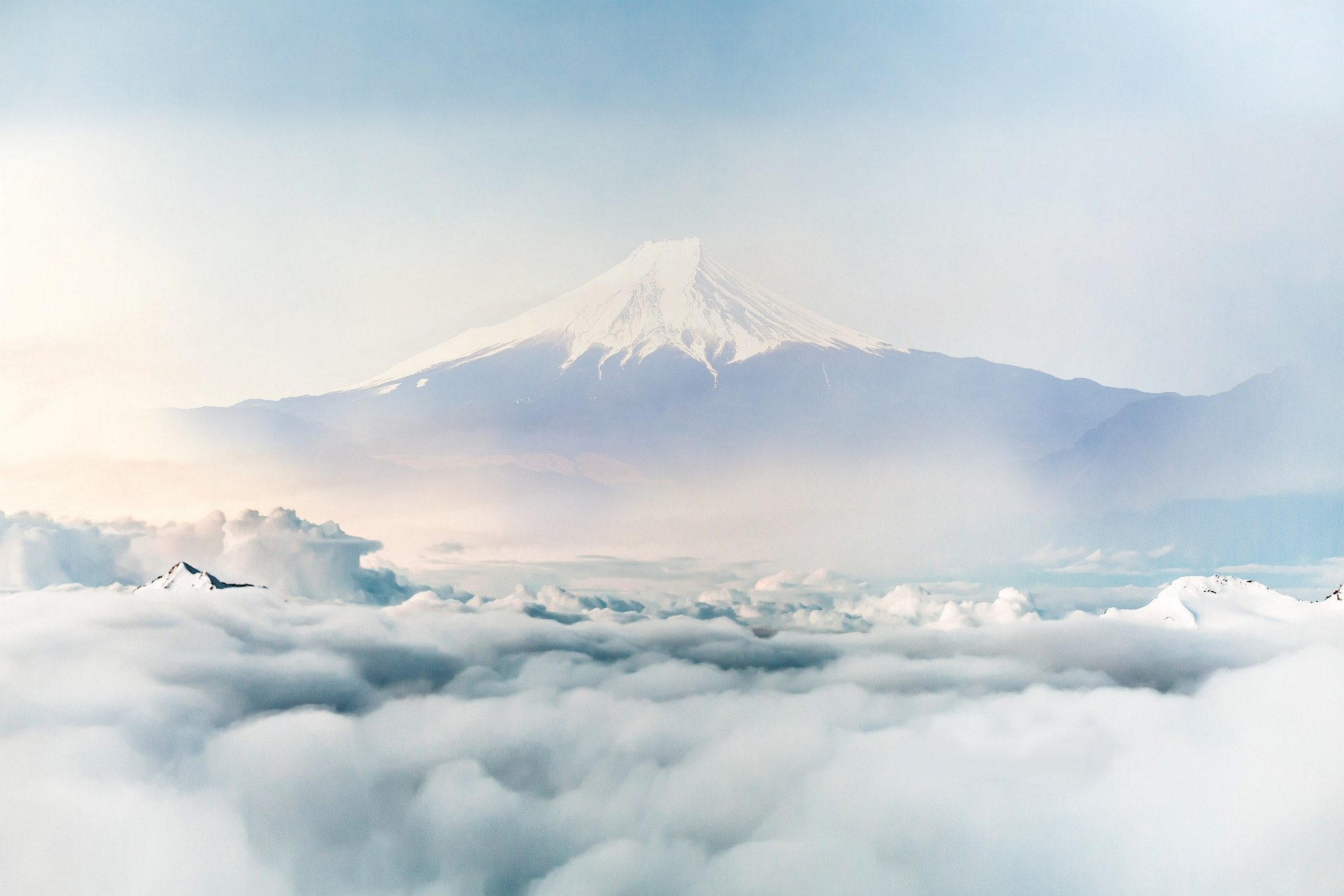 Japanese ski season mount fiji